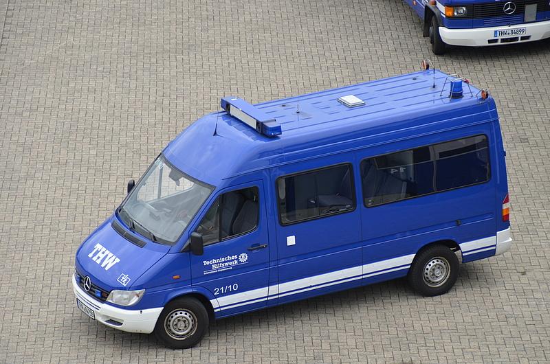 thw ov cloppenburg mannschaftstranportwagen mtw tz. Black Bedroom Furniture Sets. Home Design Ideas